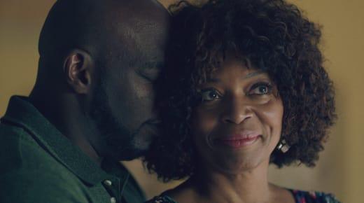 Sharing an Embrace - Queen Sugar Season 3 Episode 13