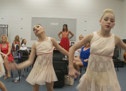 Watch Dance Moms Season 4 Episode 22 Online