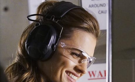 Beckett's Still Smiling - Castle Season 7 Episode 17