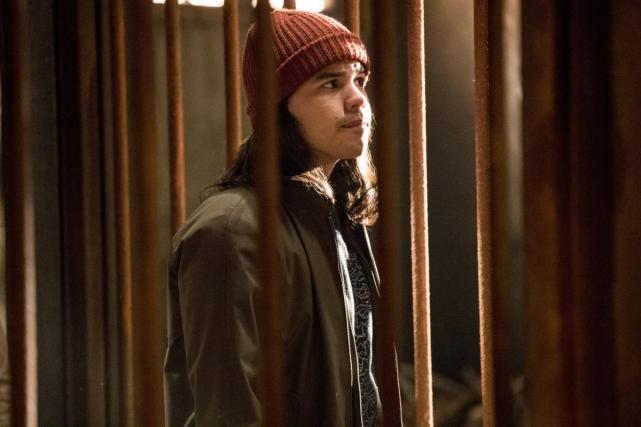 Unimpressed Cisco - The Flash Season 3 Episode 13