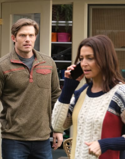 Frantic Calls - Tall  - Grey's Anatomy Season 17 Episode 7