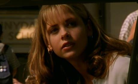 Buffy Summers - Buffy the Vampire Slayer Season 1 Episode 1