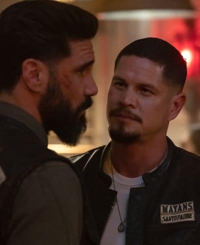 Talking at the Bar - Mayans M.C. Season 3 Episode 9