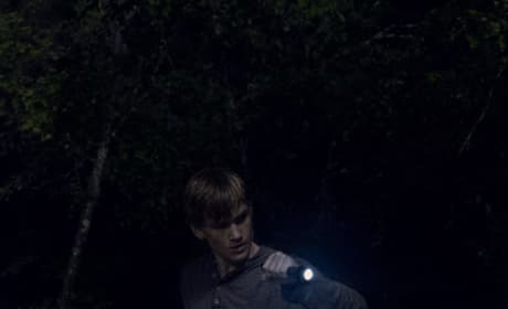 Alone In The Dark - The Walking Dead Season 9 Episode 7