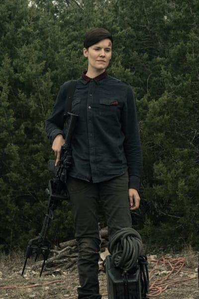 Making a Friend - Fear the Walking Dead Season 5 Episode 5