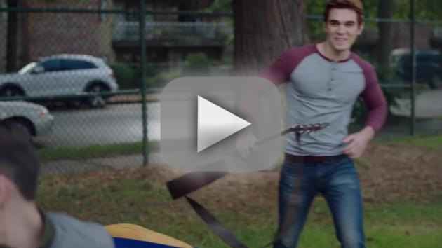 Riverdale Season 2 Teaser: Will Fred Die?