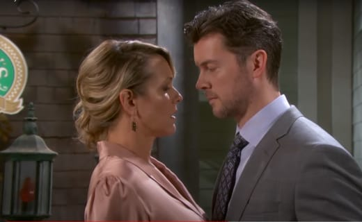 EJ Asks Nicole Out - Days of Our Lives