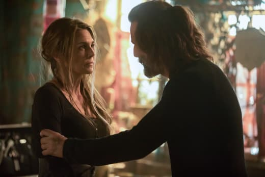 Kane and Abby Together Again - The 100 Season 5 Episode 7