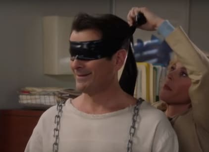 Watch Modern Family Season 8 Episode 16 Online