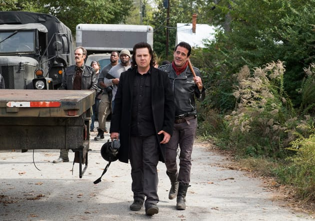 Negan takes a walk - The Walking Dead Season 7 Episode 16