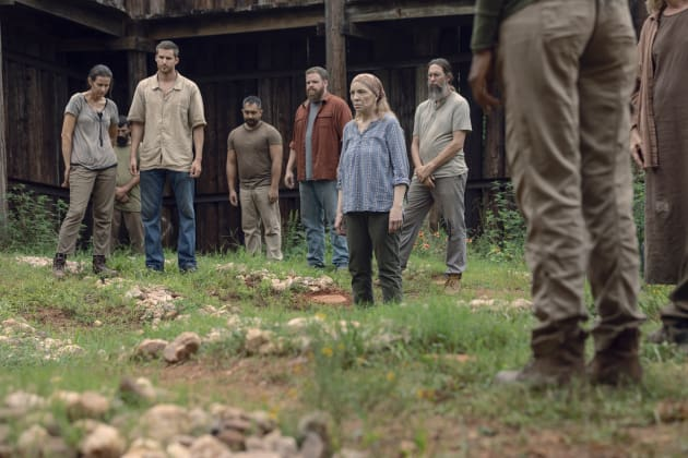 Another One Bites The Dust - The Walking Dead Season 9 Episode 9