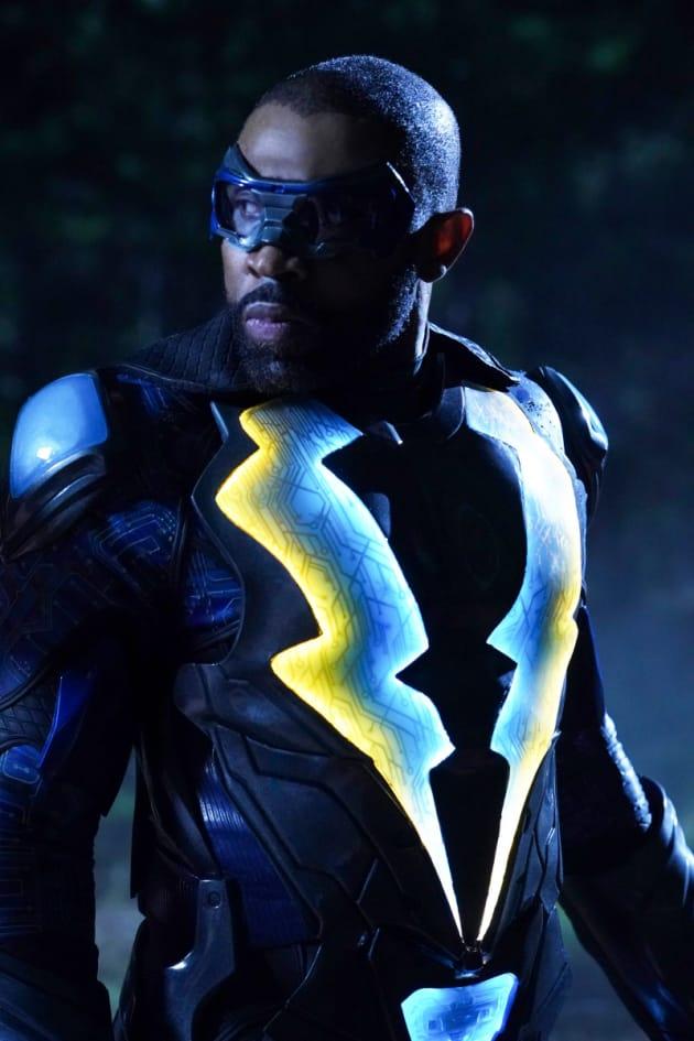 Midnight Support - Black Lightning Season 2 Episode 6