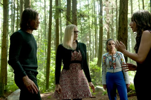 Is Julia in Fillory? - The Magicians Season 2 Episode 3