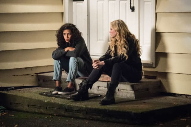 Wayward Sisters - Claire and Kaia Talk - Supernatural Season 13 Episode 10