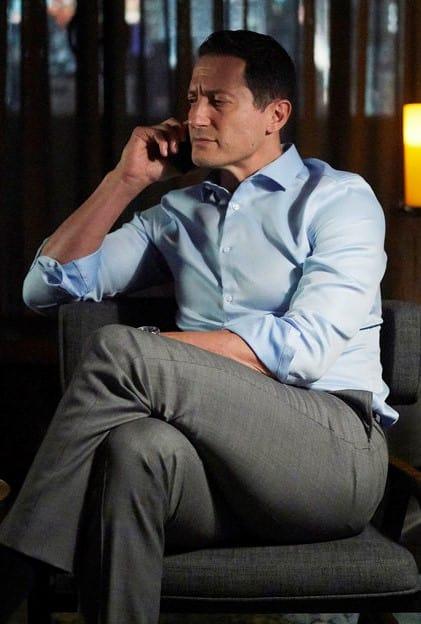 Sasha Roiz as Thomas Kessler - Suits Season 8 Episode 14