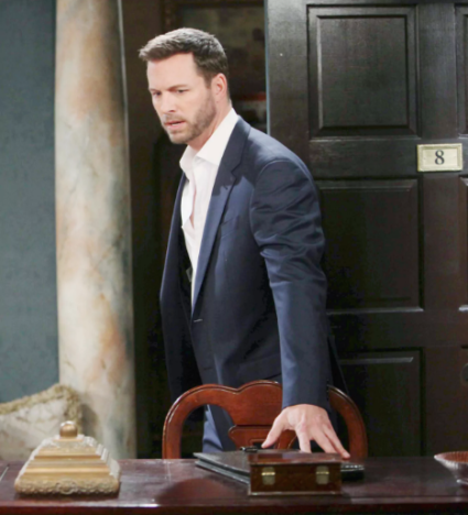 Brady Becomes Obsessed - Days of Our Lives