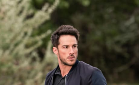 Kyle on a Mission - Roswell, New Mexico Season 1 Episode 5