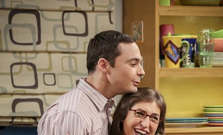 Look at That Happy Couple! - The Big Bang Theory Season 10 Episode 6