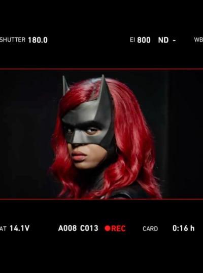 Batwoman season 2: New look at Javicia Leslie in costume!