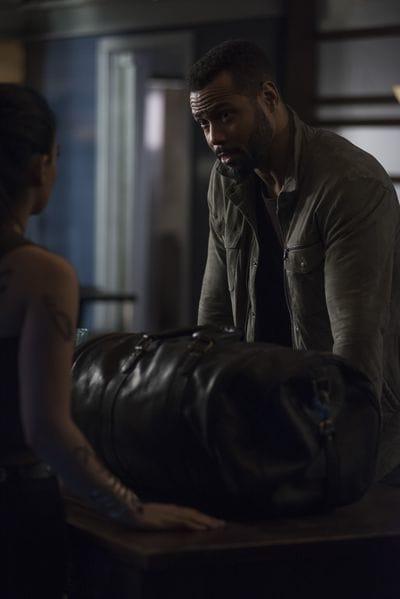 A Message - Shadowhunters Season 3 Episode 19