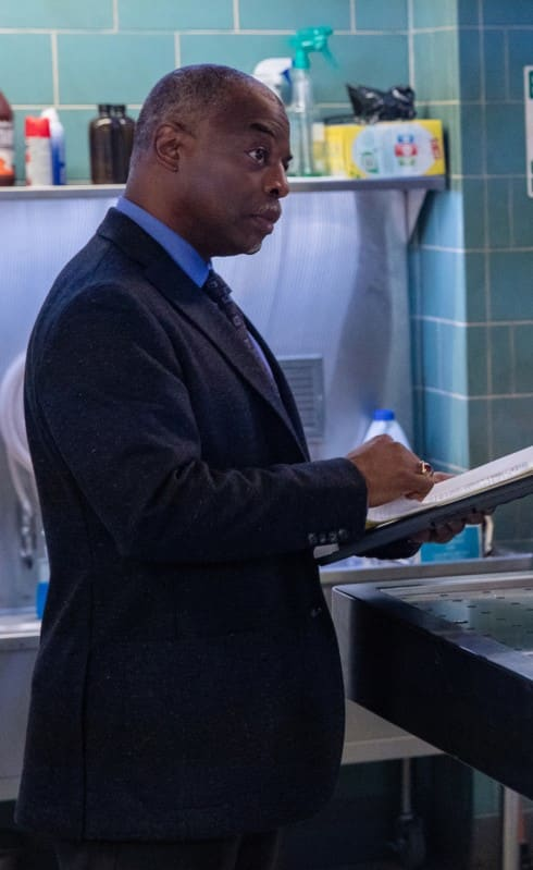 Stranger in the Morgue - NCIS: New Orleans Season 5 Episode 13
