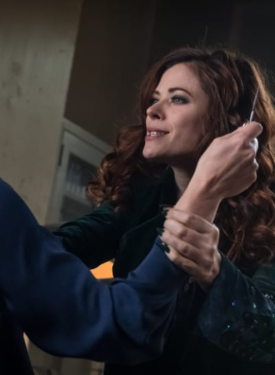 Get Poisoned - Gotham Season 5 Episode 9
