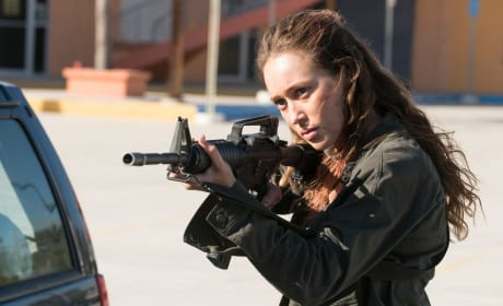 On Your Own - Fear the Walking Dead Season 3 Episode 14