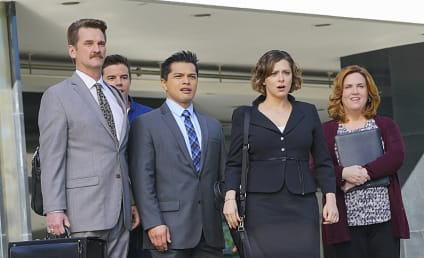 Crazy Ex-Girlfriend Season 1 Episode 13 Review: Josh and I Go to Los Angeles!