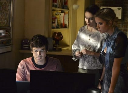 Watch Pretty Little Liars Season 5 Episode 16 Online