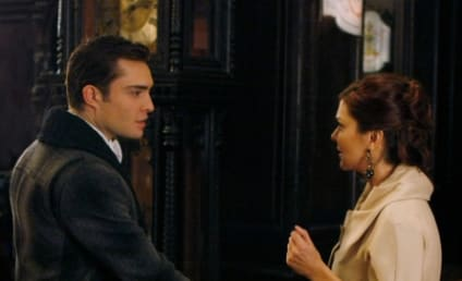 "Gossip Girl Ready to ""Turn Up the Heat"" with Chair; Planning ""Endgame"" For Show's Couples"