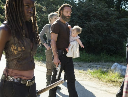 Protecting His Child - The Walking Dead Season 5 Episode 12
