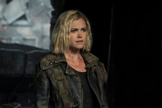 Clarke Griffin Preparing to Shift Sands - The 100 Season 5 Episode 5