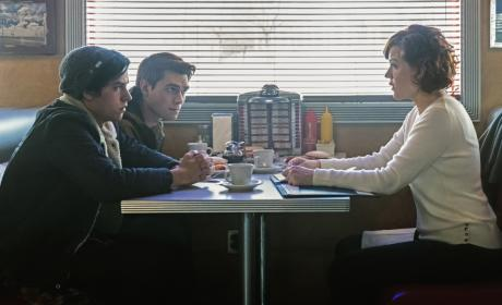 """Riverdale Photos from """"Chapter Twelve: Anatomy of a Murder"""""""