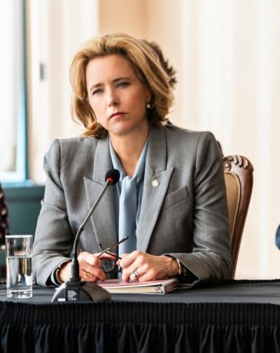 (TALL) Bess Finalizes a Deal - Madam Secretary Season 5 Episode 15