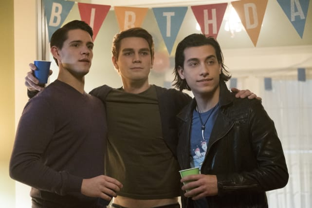 Does Archie Look Drunk? - Riverdale Season 1 Episode 10