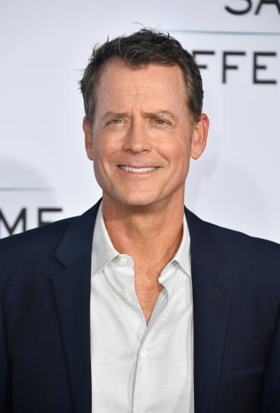 Greg Kinnear Attends Event