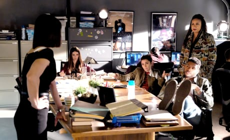 Control room pitches - UnREAL Season 3 Episode 7