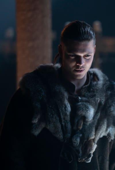 Has Ivar Seen a Ghost? - Vikings Season 6 Episode 5