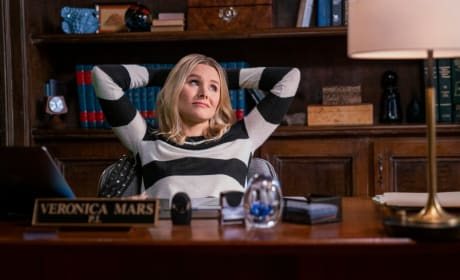 Veronica Gets Comfortable in the Office - Veronica Mars