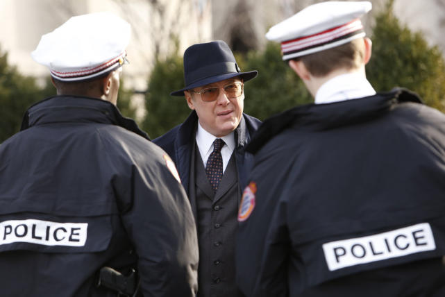 A friendly chat with the police - The Blacklist Season 4 Episode 13