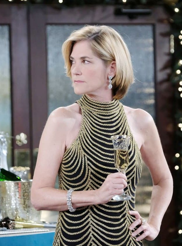 Eve Returns - Days of Our Lives