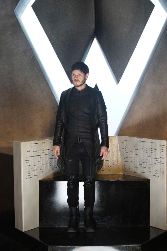Who Dares To Disturb The King - Marvel's Inhumans Season 1 Episode 3