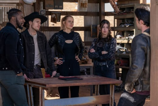 Finding A Cure - Roswell, New Mexico Season 3 Episode 11