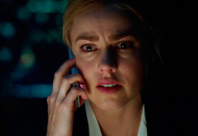 Cassie and Cole Share A Moment - 12 Monkeys Season 1 Episode 8