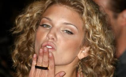 AnnaLynne McCord: I Wanna Make Out with Rumer Willis!