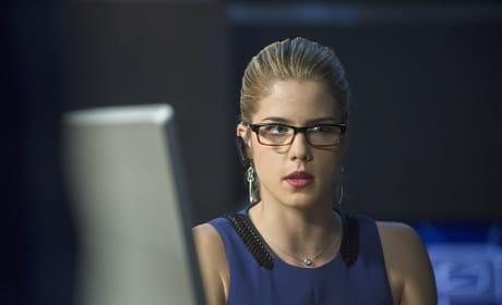 At the Keyboard - Arrow Season 3 Episode 10