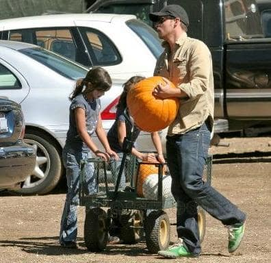 Justin Chambers and Daughters