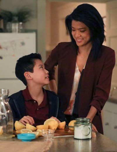 Make Lemonade - Tall - A Million Little Things Season 3 Episode 7