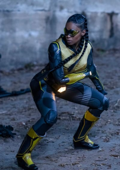 Battle Stance - Black Lightning Season 2 Episode 16