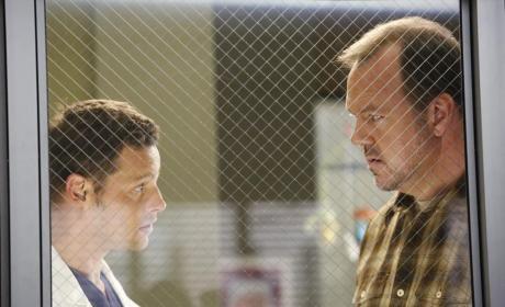 Speaking to a Relative - Grey's Anatomy Season 11 Episode 11